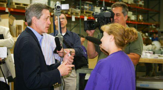 Senator Norm Coleman visits Ideal Printers